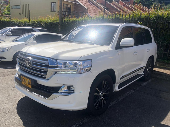 Toyota Sahara Imperial V8 2013