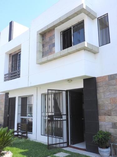 Renta De Casa En Condominio, Col. Centro, Jiutepec, Morelos...clave 3137