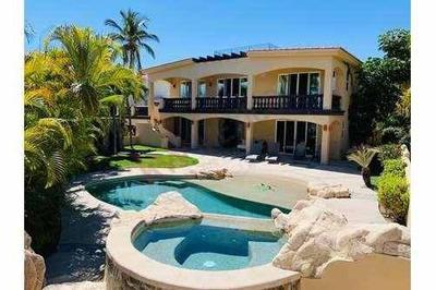 Se Renta Casa En La Jolla Con Vista Al Mar!