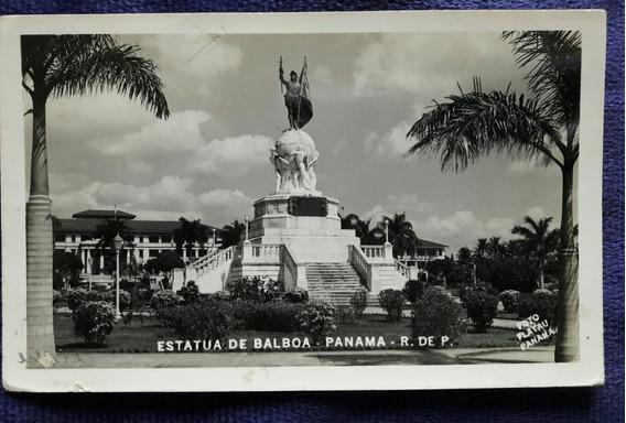 Postal De Panama De La Estatua De Balboa Con Estampillas