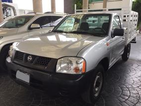 Nissan Estacas 2012
