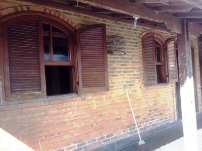 Casa Em Ótima Localização Comercial Com Barração Nos Fundos - 918