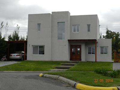 Casa En Cruz Del Sur Canning Con Lote Oportunidad!! Urgente