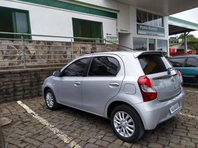 Toyota Etios 1.5 16v Platinum 4p 32.000 Km