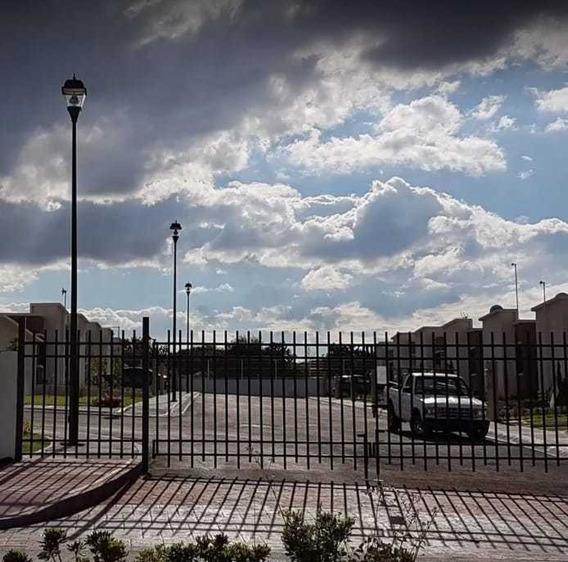 Casa Renta Cerrito Colorado Puerta Eléctrica Privada 3 Rec