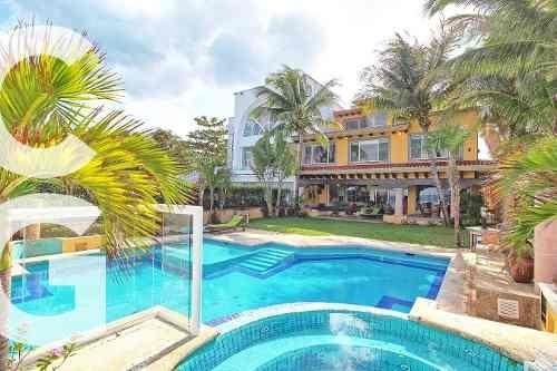 Casa En Venta En Cancun Frente Al Mar De 5 Recamaras