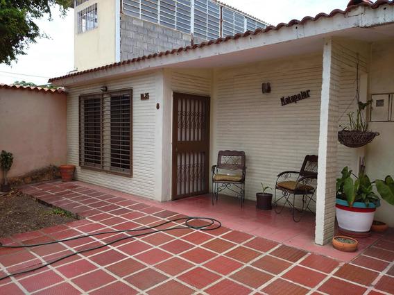 Casa En Venta Las Mercedes Cabudare Aj 20-18440