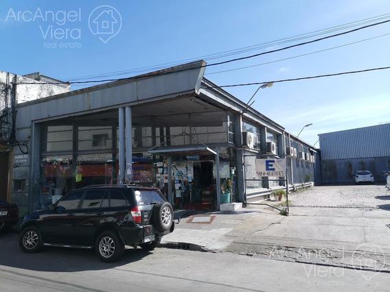 Local En Alquiler Anual , En Venta Centro Maldonado Ubicación Estratégica.