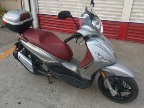 Motocicleta Piaggio Beverly 350 Cc, 2013.