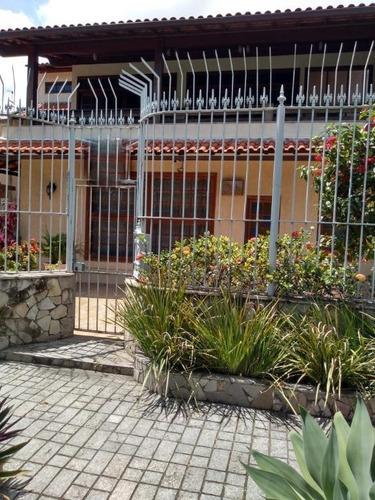 Casa Com 3 Dormitórios À Venda, 360 M²  - São Francisco - Niterói/rj - Ca1040