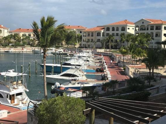 Hermoso Apartamento Con Vista A La Marina En Cap Cana