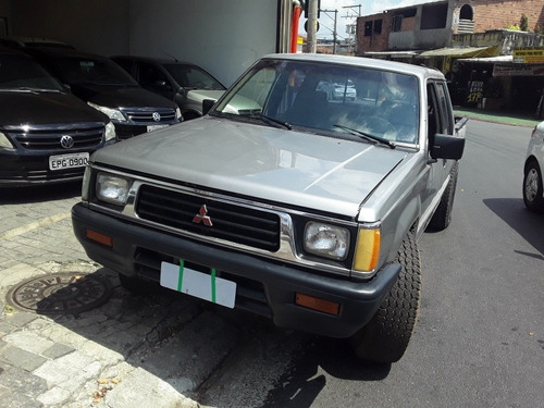 Mitsubishi L200 2.5 Turbo Cd R$ 25.900,00