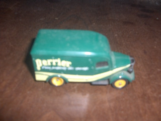 Carro Miniatura Corgi Perrier