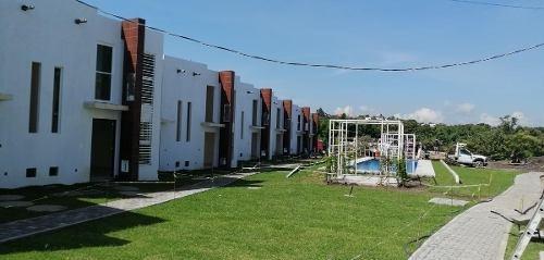 Casa Condominio En Venta- Lomas De Jiutepec