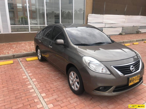 Nissan Versa 1.6 Advance