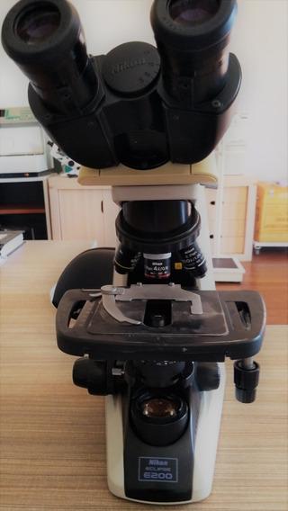 Microscópio Binocular Nikon E200
