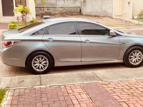 Hyundai Sonata Sedán