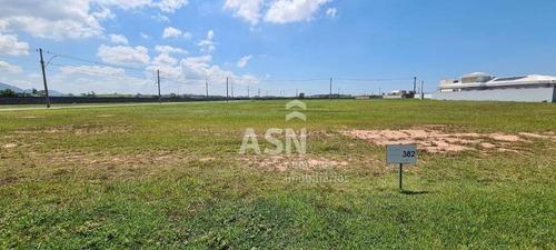 Terreno Com 455 M²  Em Condominio De Alto Padrão Ao Lado Do Centro De Rio Das Ostras-rj - Te0496
