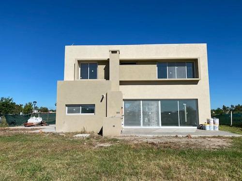 Imagen 1 de 30 de Casa  En Venta Ubicado En El Cantón Golf, Escobar, G.b.a. Zona Norte