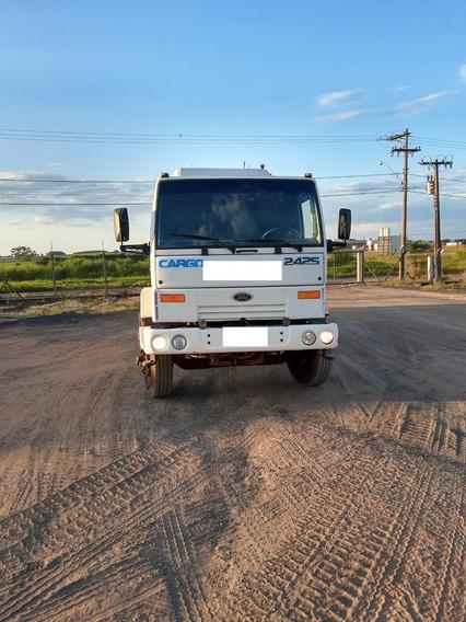 Caminhão Betoneira Ford Cargo 2425 - Ano 2000