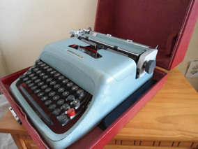 Máquina De Escrever Olivetti Studio 44 - Toda Original !!