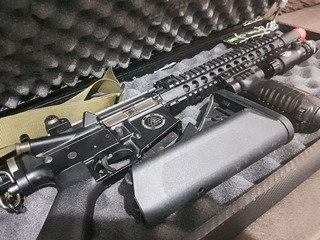 Airsoft Rifle Bolt Recoil M4 + 8 Mag + Mira + Combo Completo