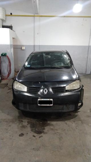 Renault Megane 2 Sport 2.0 / 2009 $ 155.000- Chocado