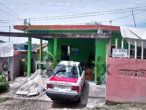 Ventas Tuxpan Veracruz, Se Ubica En La Calle Miguel De La Madrid #28 En La Colonia Universitaria, En 3 Pisos Cuenta Con 23 Habitaciones, 7 Baños, 2 Tinacos, Una Casa Con Sala, Recibidor, Cocina Y Una