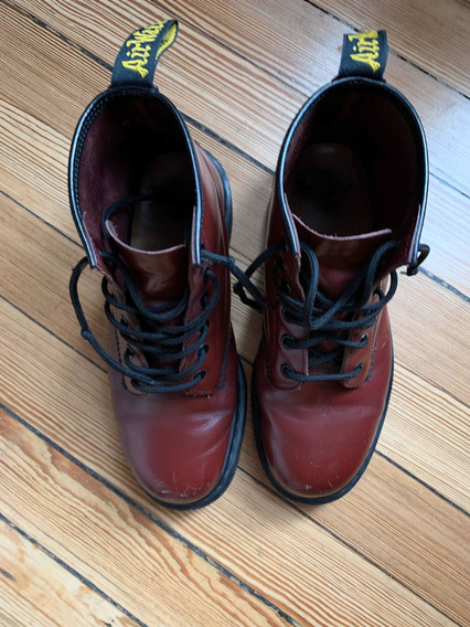 Botas Dr Martens N 39 Impecables! Color Bordó.