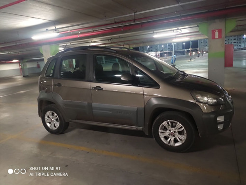 Imagem 1 de 9 de Fiat Ideia Aventure Duallogic 2014