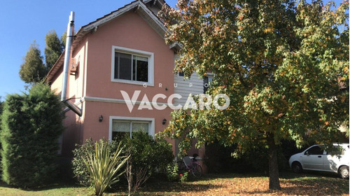 Casa  En Venta Barrio Privado Moreno
