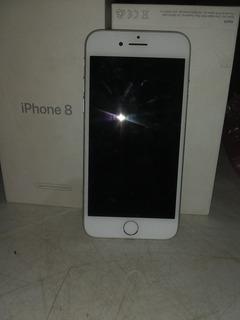 Celular iPhone 8