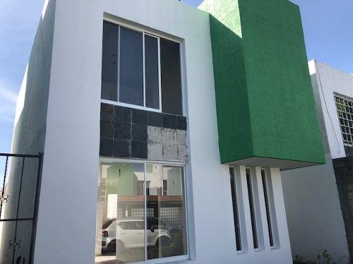 Ocoyoacac: Casa En Venta En Fraccionamiento Cerrado