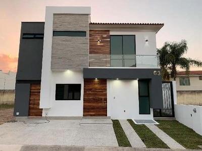 Casa Nueva, En Renta, Jardín Real, Zona Solares, Toscana, Valle Real, Olivos, Arauca,