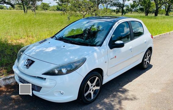 Peugeot 207 1.6 16v Quiksilver Flex 5p