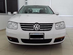 Volkswagen Bora Trendline 2.0 2012 4 Puertas 88000km Blanco