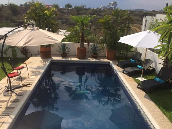 Casa Sola Con Alberca Y Jardin Privados ,fraccionamiento Club De Golf Santa Fe.