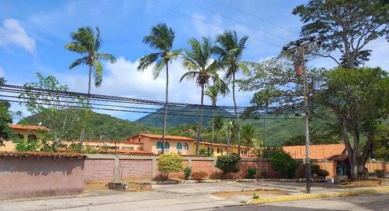 Townhouse En Venta. Conj. Resd. Montaña Dorada- La Asunción