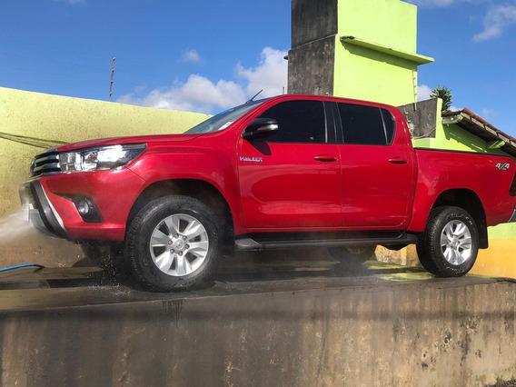 Veículo: Toyota Hilux 2.8 Srv 4x4 Cd 16v Diesel 4p Automátic