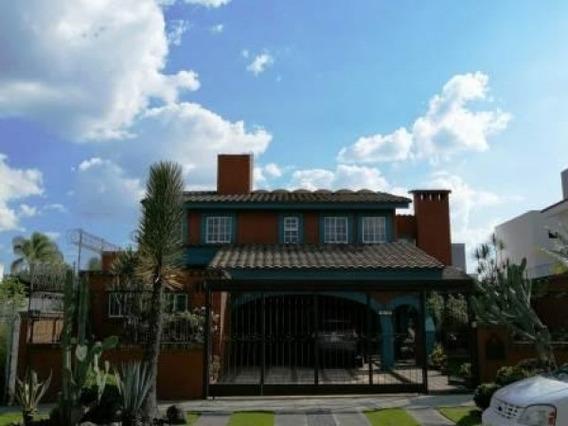 Amplia Casa A La Venta, En Bugambilias, Zapopan - Jalisco En Cda De Los Belenes