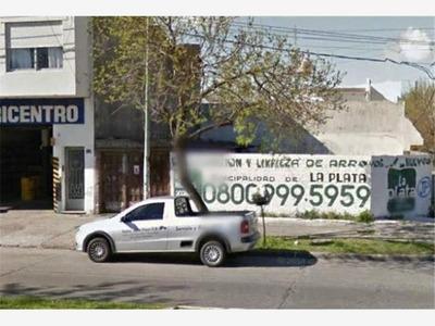 Lote Baldio En Esquina En Alquiler. La Plata