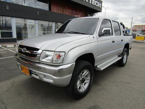 Toyota Hilux  2400
