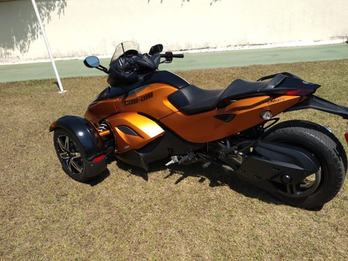 Triciclo Can Am Spyder