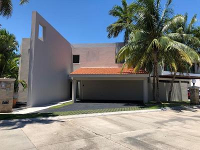 Vendo Residencia En Villa Magna
