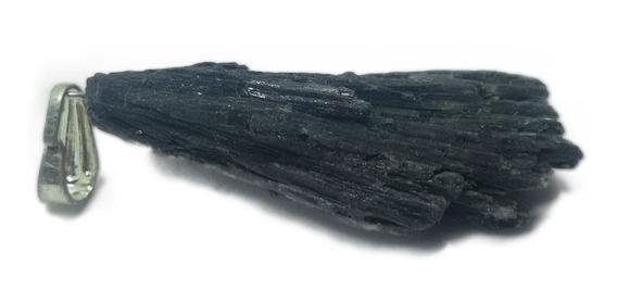 Pingente De Pedra Cianita Preta - Vassoura De Bruxa