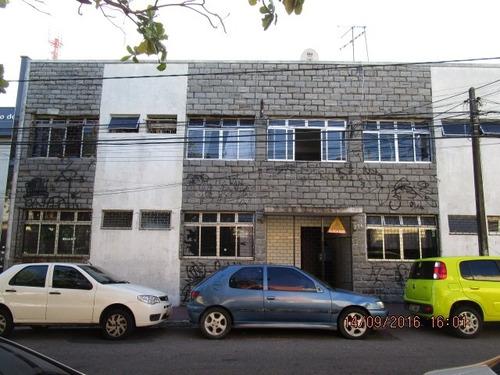 Imagem 1 de 6 de Quitinete Para Alugar Na Cidade De Fortaleza-ce - L2401