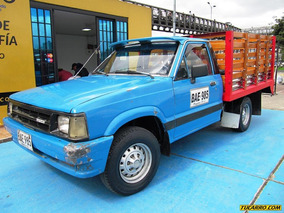Mazda B-2000 Estacas