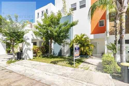 Casa En Venta 3 Recámaras Residencial Palmaris, Cancún.