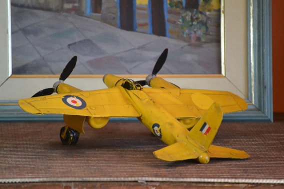 Avião Miniatura Douglas C47 Lata Decoração Colecionador