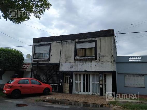 Casa De Planta Alta En Venta De 2 Dorm. - Rosario, Barrio Las Delicias